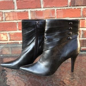 Kenneth Cole unlisted brown leather heel booties